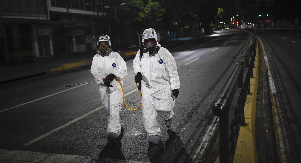 Desinfección de las calles en Caracas