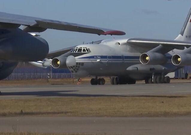Aviones Il-76 rusos cargados de equipo médico se dirigen a Italia para combatir el coronavirus