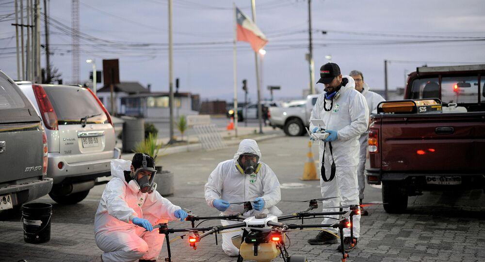 Desinfección de las calles en Chile