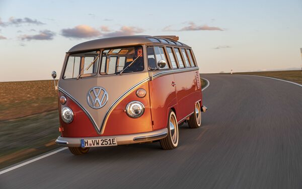 E-Bulli, la nueva furgoneta eléctrica de Volkswagen - Sputnik Mundo