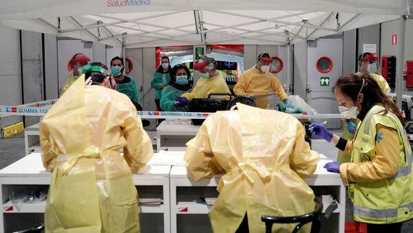 El hospital de campaña desplegado en el recinto ferial de Madrid - Sputnik Mundo