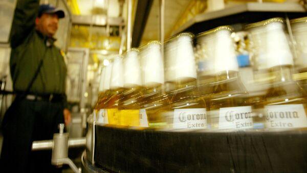 Producción de la cerveza mexicana Corona - Sputnik Mundo