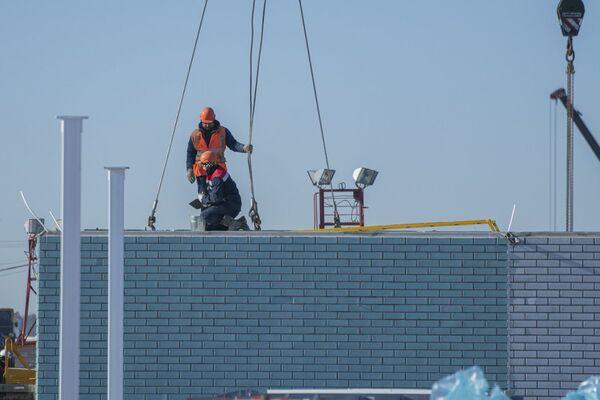 Así avanza la construcción del nuevo hospital en Moscú en medio de la pandemia  - Sputnik Mundo