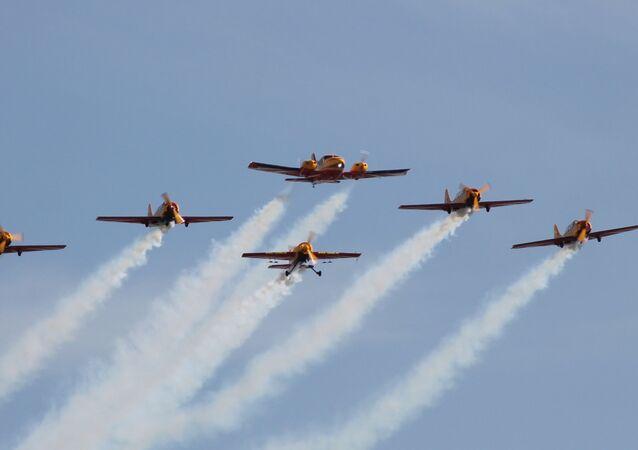 Grupo acrobático ruso 'First flight' ('Primer vuelo')