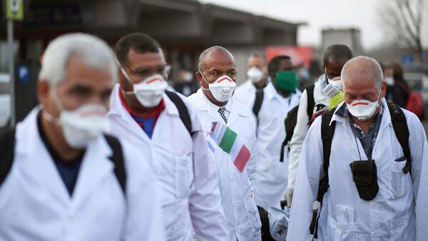 Médicos cubanos en Italia (archivo) - Sputnik Mundo