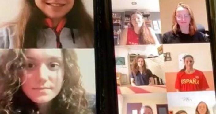 Equipo de sincro España entrenando via Skype durante la cuarentena