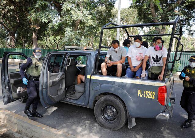 Detenidos en Perú por incumplir las medidas del estado de emergencia