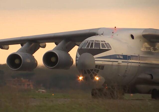 Un avión militar ruso Il-76