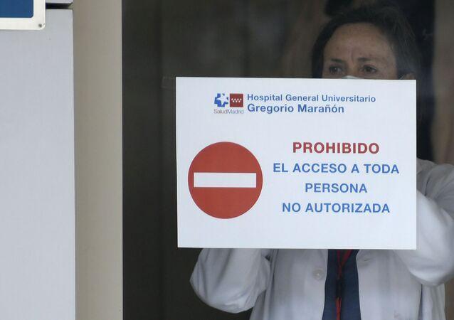 Una médico en el Gran hotel Colón en Madrid, el primer hotel transformado en hospital durante el estado de alarma