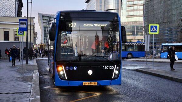 Un autobús en Moscú - Sputnik Mundo
