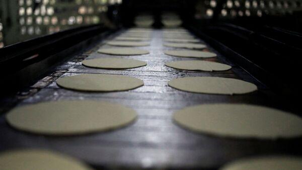 Producción de tortillas (imagen referencial) - Sputnik Mundo