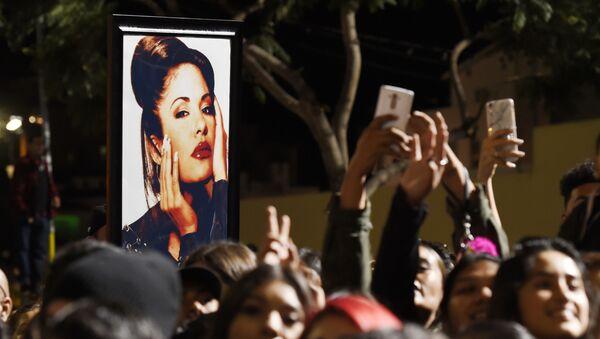 Selena Quintanilla en un homenaje - Sputnik Mundo