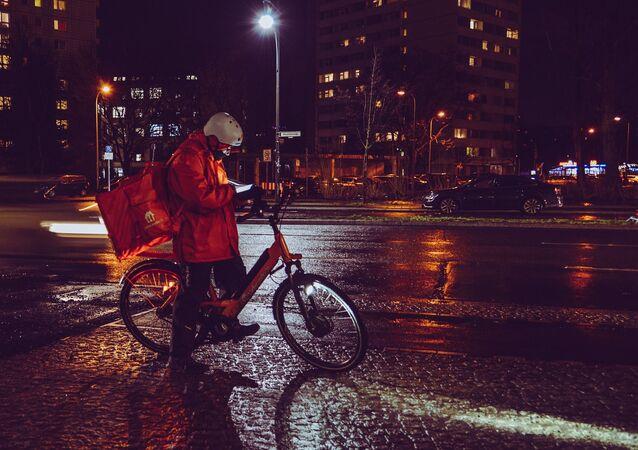 Un repartidor de comida en bicicleta. Imagen referencial