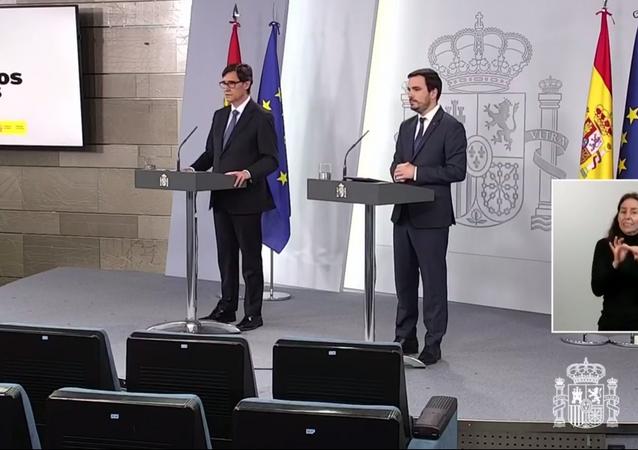 Rueda de prensa telemática desde La Moncloa del ministro de Sanidad, Salvador Illa, y del ministro de Consumo, Alberto Garzón