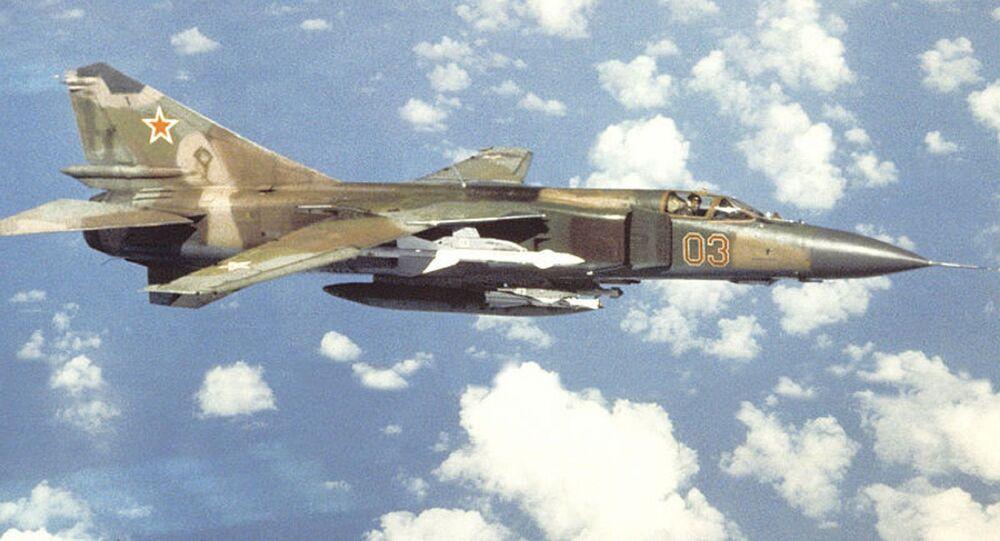 Un MiG-23 en vuelo