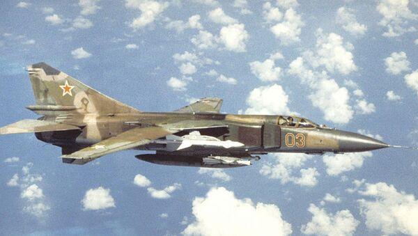 Un MiG-23 en vuelo - Sputnik Mundo