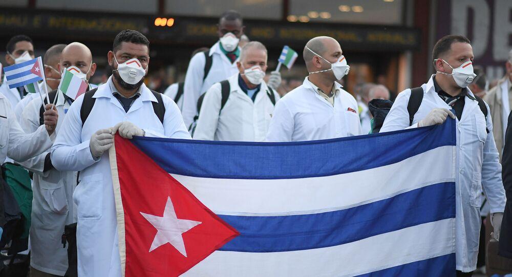 Médicos cubanos en Italia