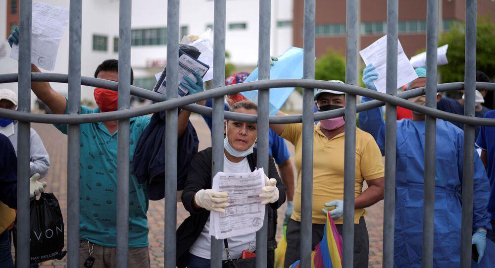 Colapso sanitario en Ecuador d7urante el brote de coronavirus