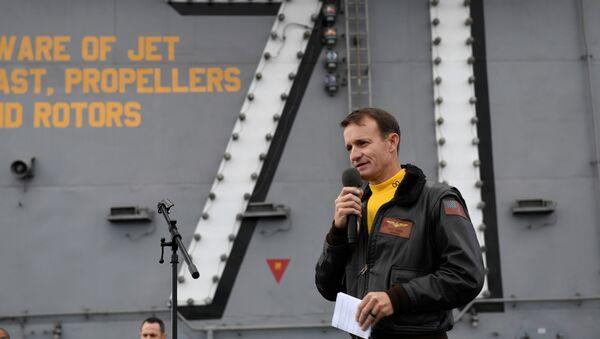 Brett Crozier, oficial de la Marina de EEUU (archivo) - Sputnik Mundo