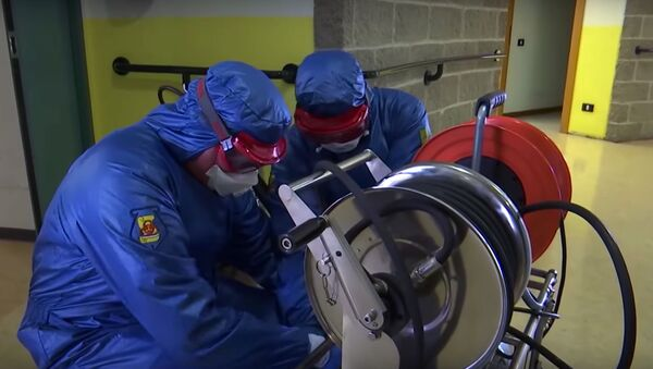 Médicos militares rusos durante el brote de coronavirus en el mundo - Sputnik Mundo