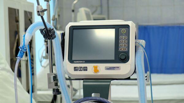 Un respirador artificial - Sputnik Mundo