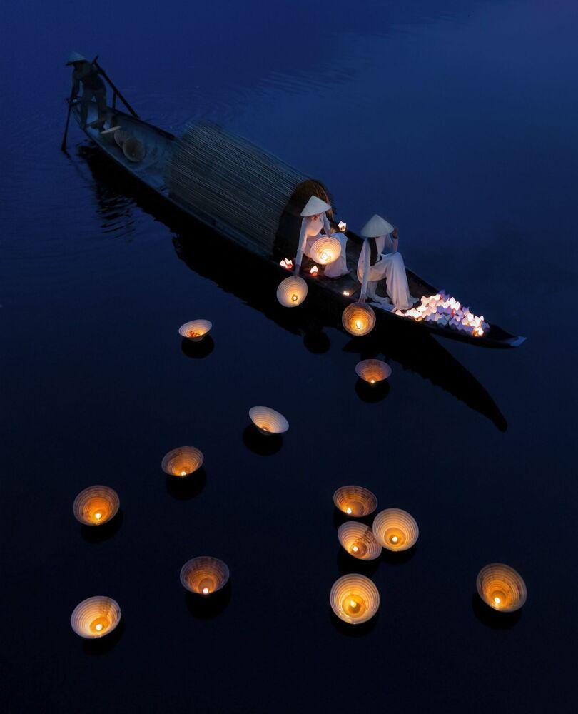 La foto 'Oraciones submarinas', de un fotógrafo vietnamita, presentada en el concurso The World's Best Photos of #Water2020.