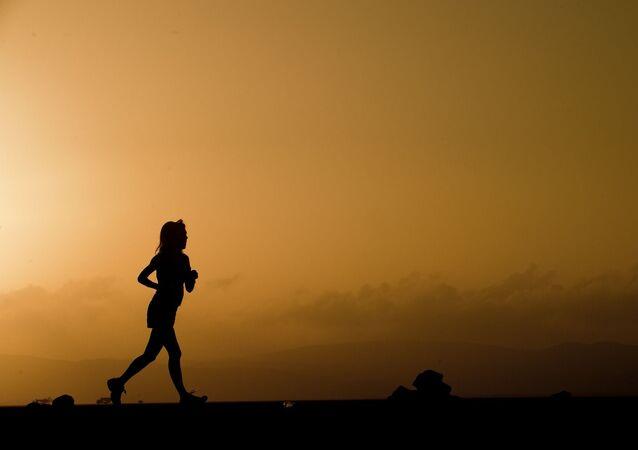 Una corredora (imagen referencial)