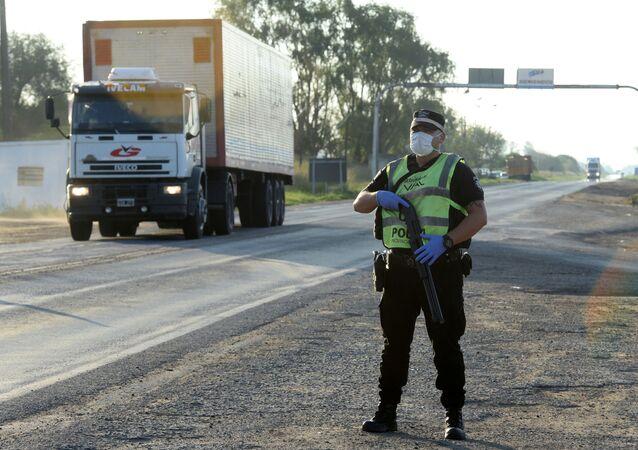 Un policía argentino