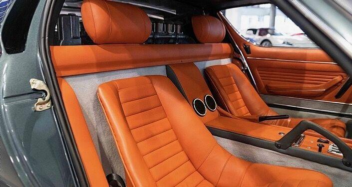 El interior de Lamborghini Miura SV