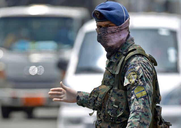 Un militar en Guayaquil, Ecuador