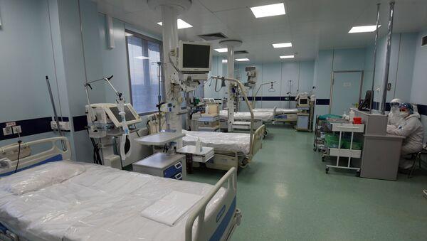 Un hospital para pacientes con coronavirus en Moscú - Sputnik Mundo