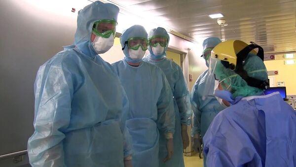 Los médicos rusos en Bérgamo, Italia - Sputnik Mundo