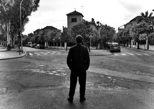 Juan Antonio Guerrero deambula por una ciudad desierta