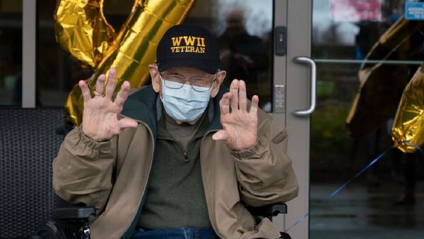 William Bill Lapschies, 104 años, se recuperó de COVID-19 - Sputnik Mundo