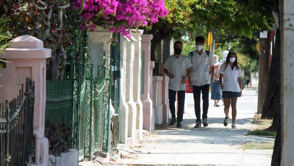 Estudiantes de medicina en Cuba - Sputnik Mundo