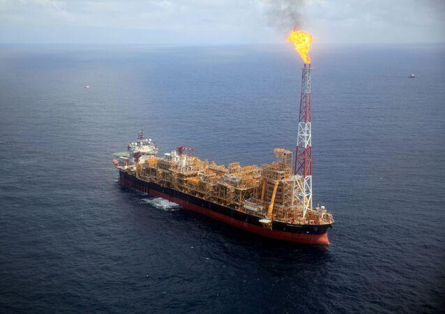 Una plataforma de petróleo de la OPEP cerca de la costa de Angola