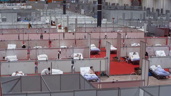 El hospital de campaña de Ifema en Madrid trabaja a pleno rendimiento contra el virus - Sputnik Mundo
