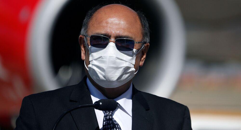 Aníbal Cruz, ministro de Salud de Bolivia