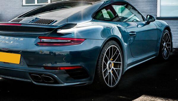 Un 911 Turbo S del fabricante Porsche  - Sputnik Mundo