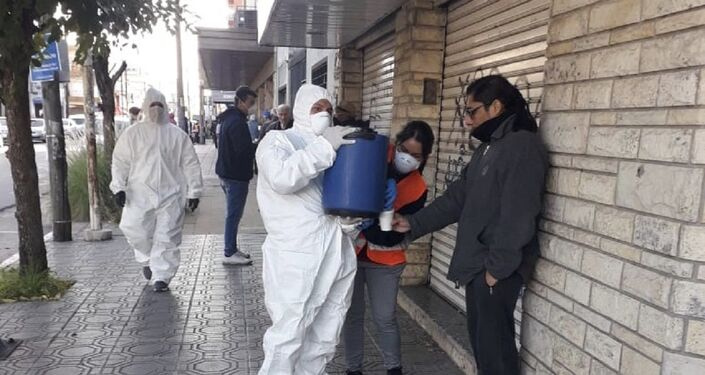 Militantes en La Matanza trabajan en desinfección de espacios públicos y operativos de alimentación