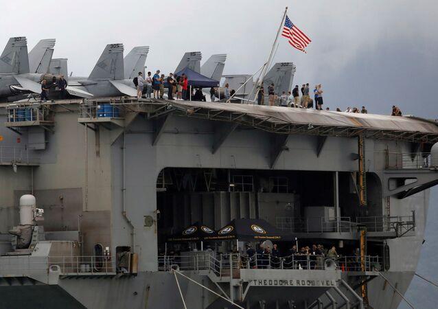 El portaviones estadounidense USS Theodore Roosevelt