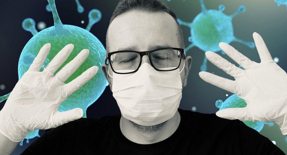 Un hombre con mascarilla durante el brote del coronavirus (imagen referencial)