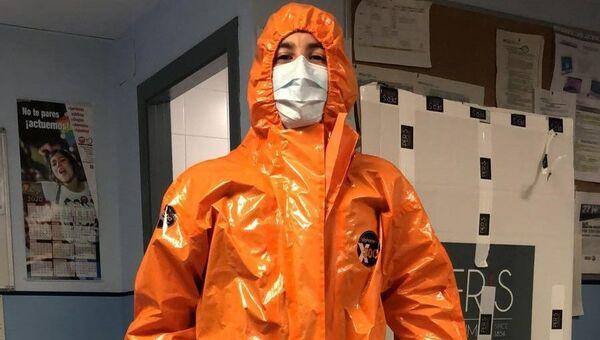 Monos de 'Chernóbil' donados por Peris Costumes. - Sputnik Mundo