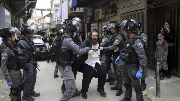 La detención de un judío ultraortodoxo en Jerusalén - Sputnik Mundo