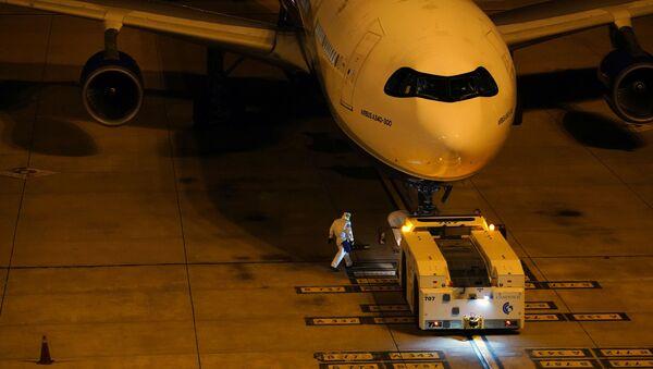 Repatriación de los ciudadanos de Aaustralia y Nueva Zelanda del crucero Greg Mortimer - Sputnik Mundo