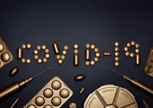 El coronavirus COVID-19 entre pastillas y jeringas