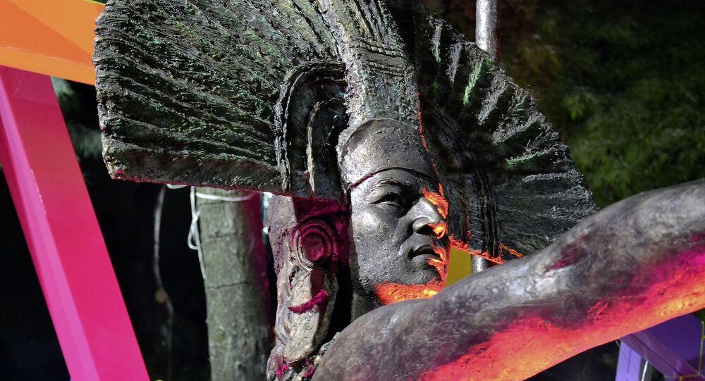 Escultura de azteca