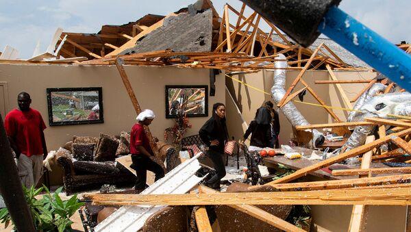 Consecuencias de los tornados en EEUU - Sputnik Mundo
