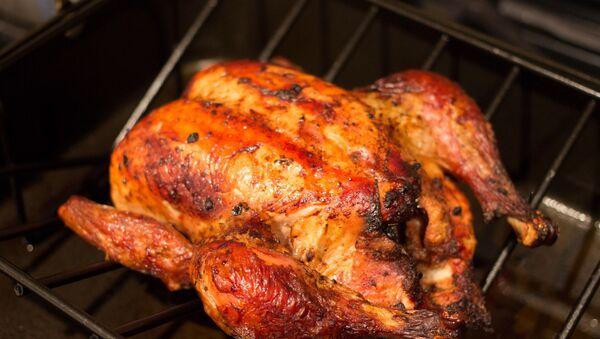 Pollo a la brasa (imagen referencial) - Sputnik Mundo