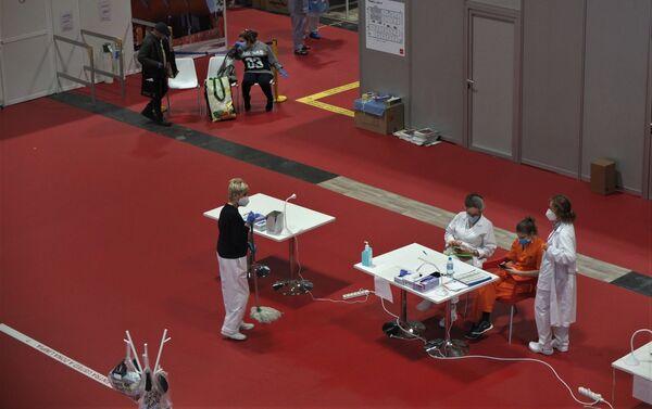 Hospital habilitado en un pabellón de Ifema, en Madrid. - Sputnik Mundo